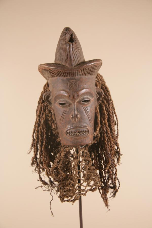 Dance mask by the ethnic group Chokwe